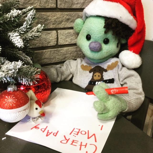 La mascotte de Premiers Mots écrit une lettre au Père Noël